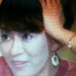TV朝日「博多華丸のもらい酒みなと旅」で鈴木砂羽さんが、オリジナルアクセサリーを着用!